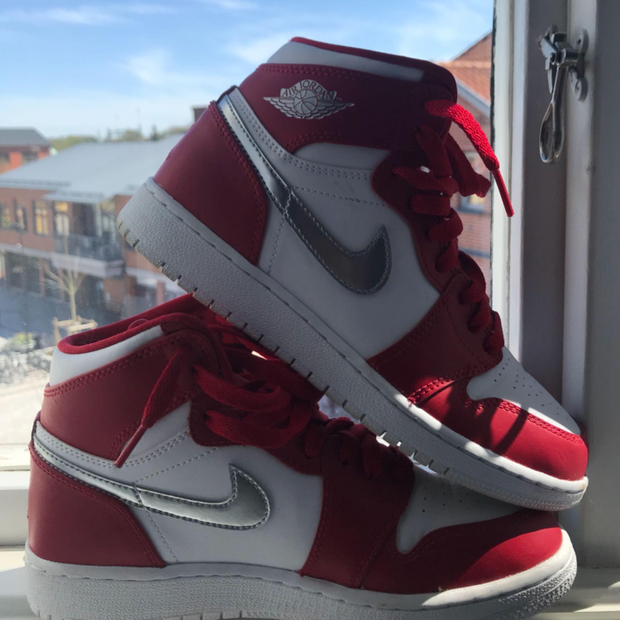 223d4e3333f Riktigt käcka Air Jordan 1 endast - Nike Skor - Second Hand