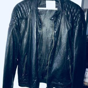 Leather jacka från Selected Homme. Har haft den vid ett par tillfälle
