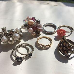 20kr för alla (5kr styck) 🌈 Några av ringarna kan man ställa in storleken på.