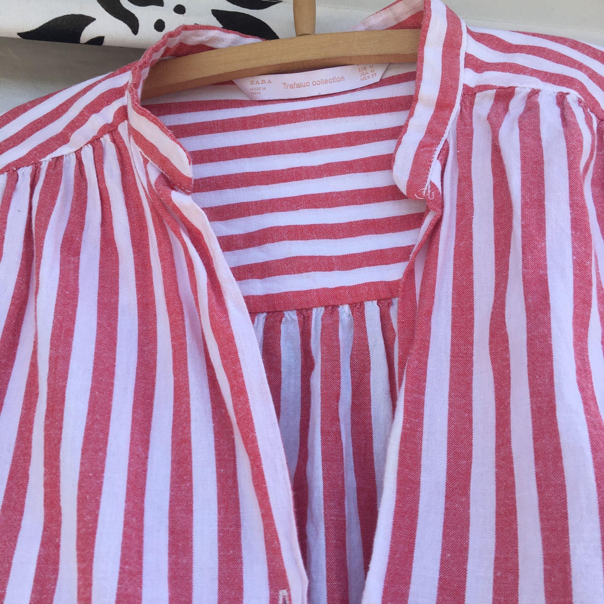 Röd vit-randig skjortklänning fr - Zara Skjortor - Second Hand 4807f2fb27972