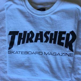 Äkta thrasher T-shirt från thrashers egna hemsida. Fint skick!:)  Frakt inkl  *se profilbeskrivning*