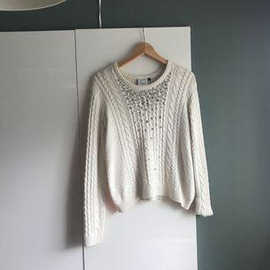 En stickad tröja från Karen by Simonsen i stl M Frakt tillkommer