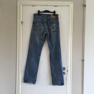Ett par Levis-jeans i modell 501. Kan mötas upp i Göteborg. Frakt betalas av köparen