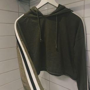 En hoodie från missguided