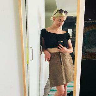 Superfin kjol från beyond retro som tyvärr är lite för liten för mig