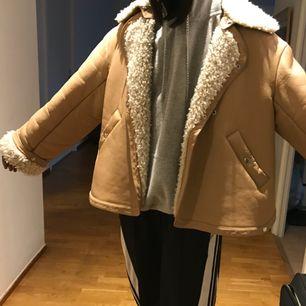 Weekday cyborg jacket limited edition storlek XS (oversized rätt stor då jag är 178cm) Ny pris 3000kr