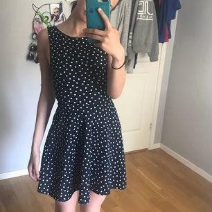 Fin klänning från Hm. Köpare står för frakt