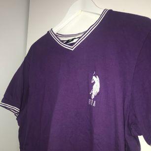 Vintage t-shirt från Ralph Lauren. Stl L i herrstorlek.
