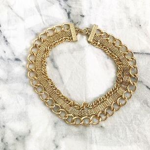 Guldig halsband, helt oanvänd!