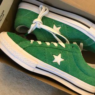 Converse one star green . Size 7. Helt nya och oanvända