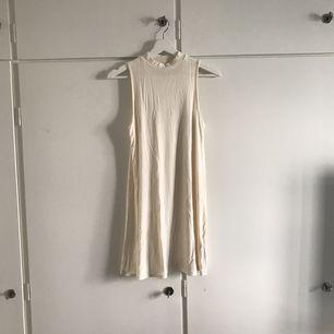 🌸 Kort klänning från Top Shop i viskosa material🌸