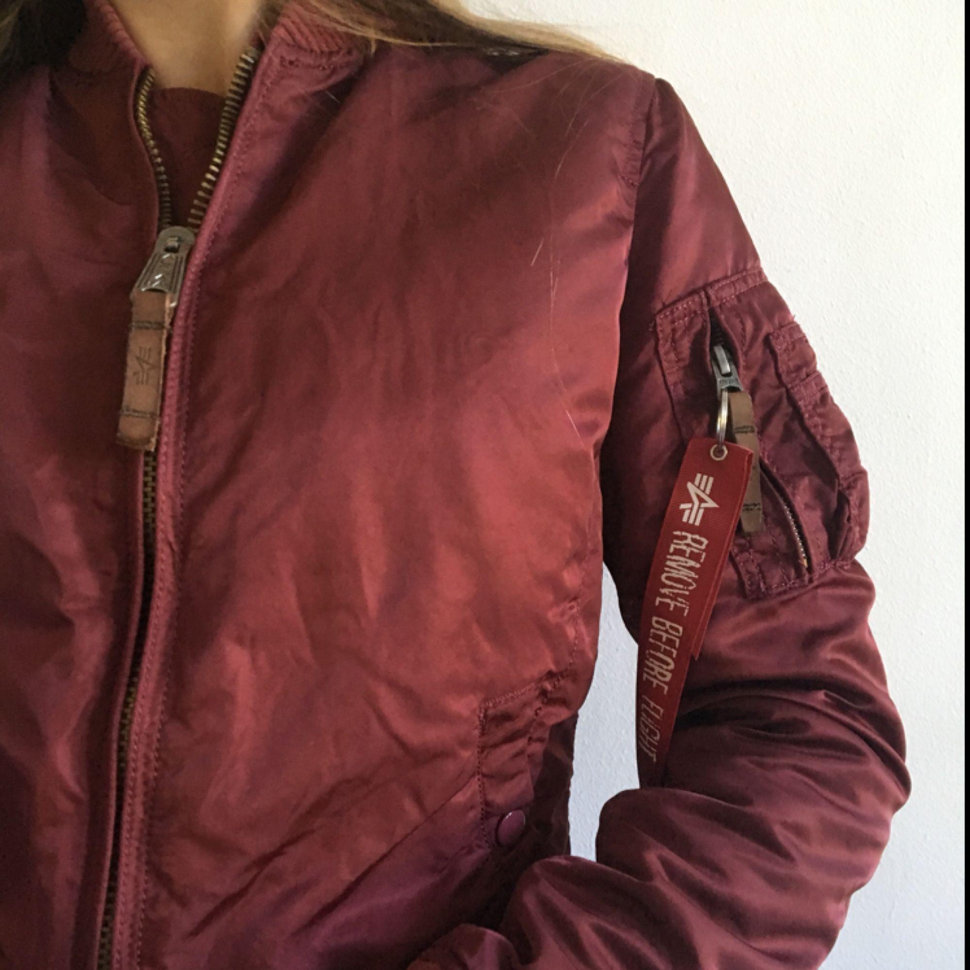Alpha industries bomerbar jacket. Jackor.
