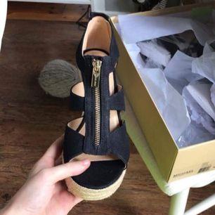 Michael kors skor använda 2 ggr.