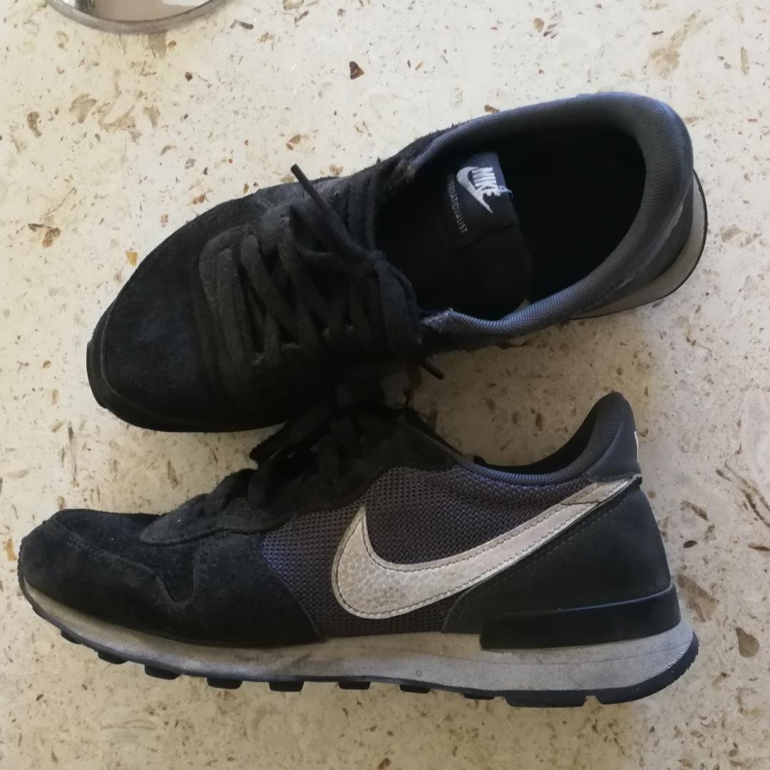 best service a3865 c0711 Nike Internationalist i stl 38,5. Tycker dom är rymliga i storleken. Svarta