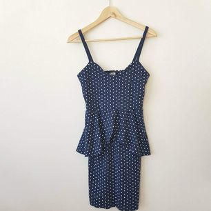 🌺Blue polka dress from Bikbok ❤️