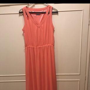Bal/ examens/ bröllopsklänning  Maxiklänning storlek 40