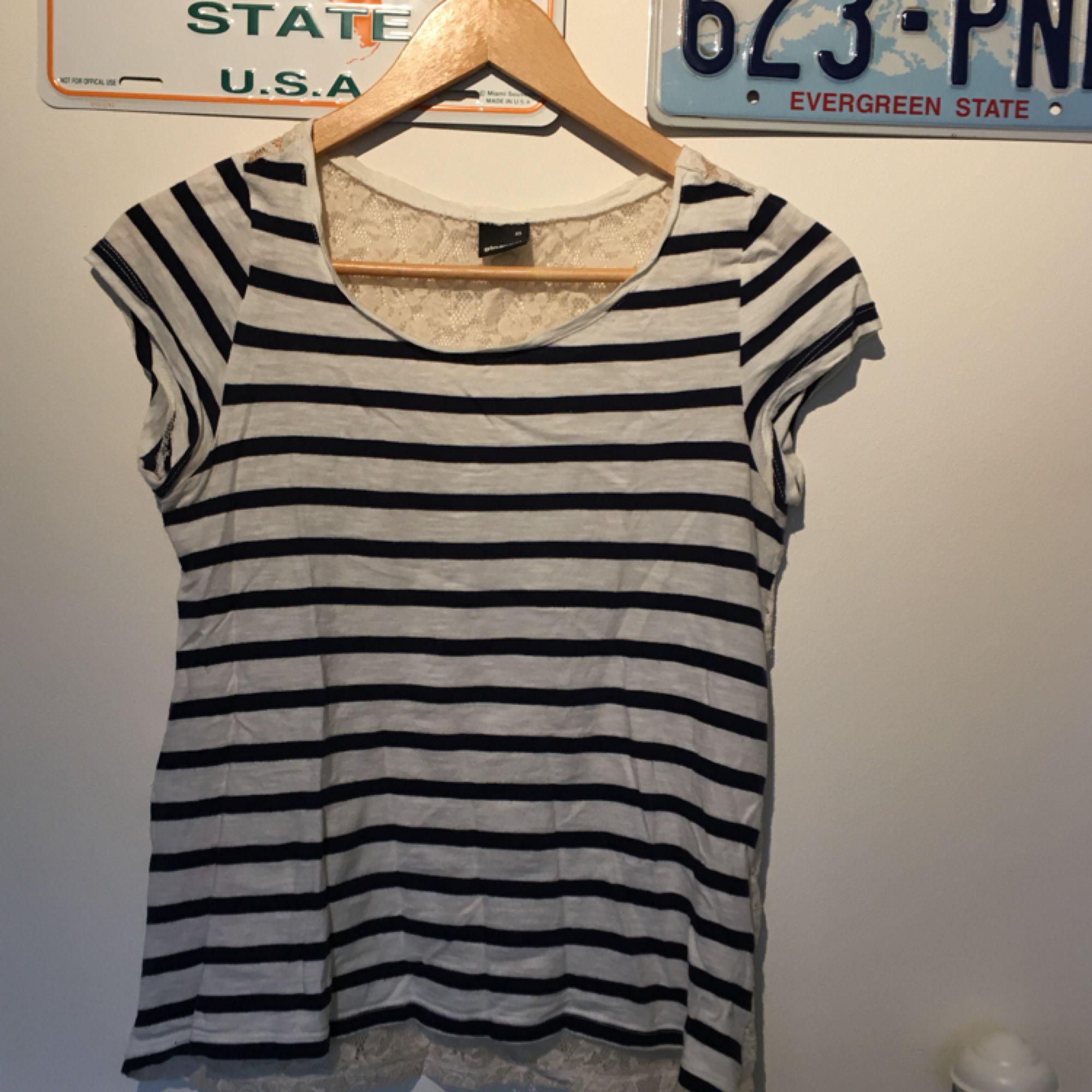 Urgullig t-shirt från Gina! Frakt ingår i priset om vi inte kan mötas i Lund⭐️. T-shirts.