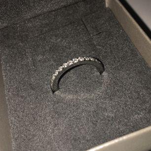 Super fin ring från Edblad! Aldrig använd. Frakt ingår