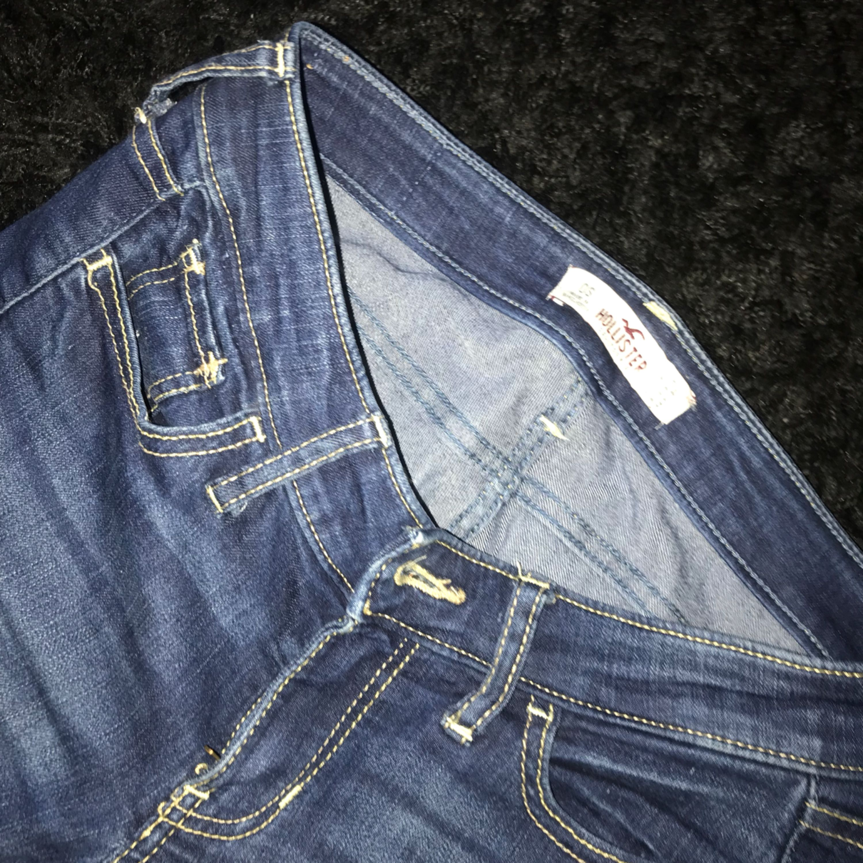 Midjemåttet är 25 och 30 i längden - Hollister Jeans   Byxor ... 51ffc8a993a96