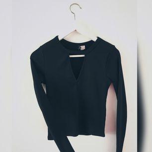 En svart tröja från H&M