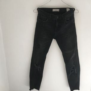Jeans från mango.  Frakt tillkommer