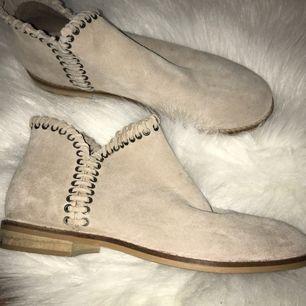 Skor från Zara, aldrig använda därför säljer jag.