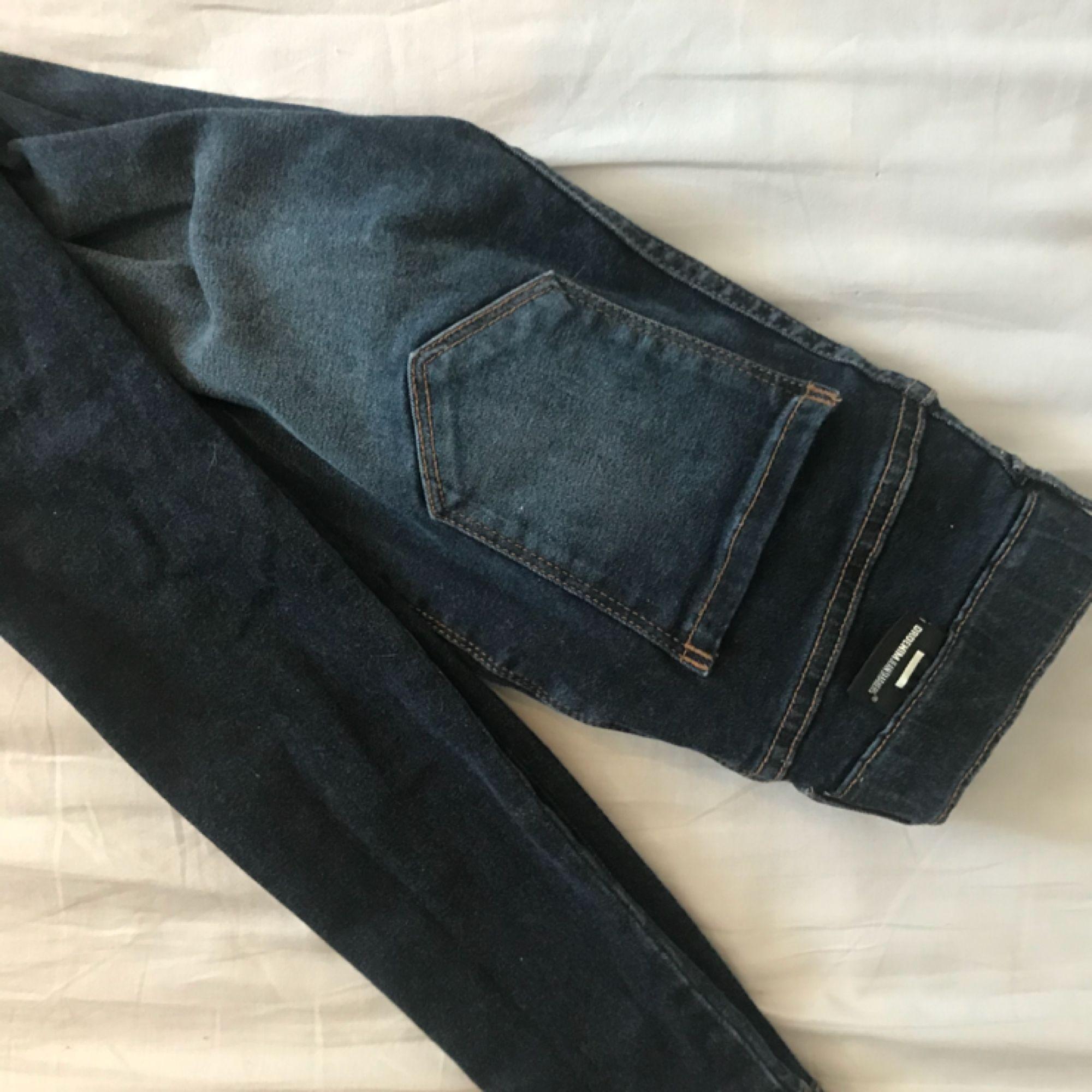 Brallor från Dr.Denim! Lite för små för mig så har bara använt dom 2-4 gånger! Frakt tillkommer!. Jeans & Byxor.