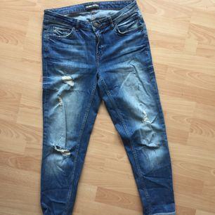 "Fina ""bagge-jeans"" i storlek 38. Kan skickas."