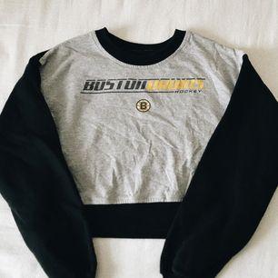 ✨ sweatshirt som är croppad från beyond retro. mkt omtyckt men inte använd därefter. ✨