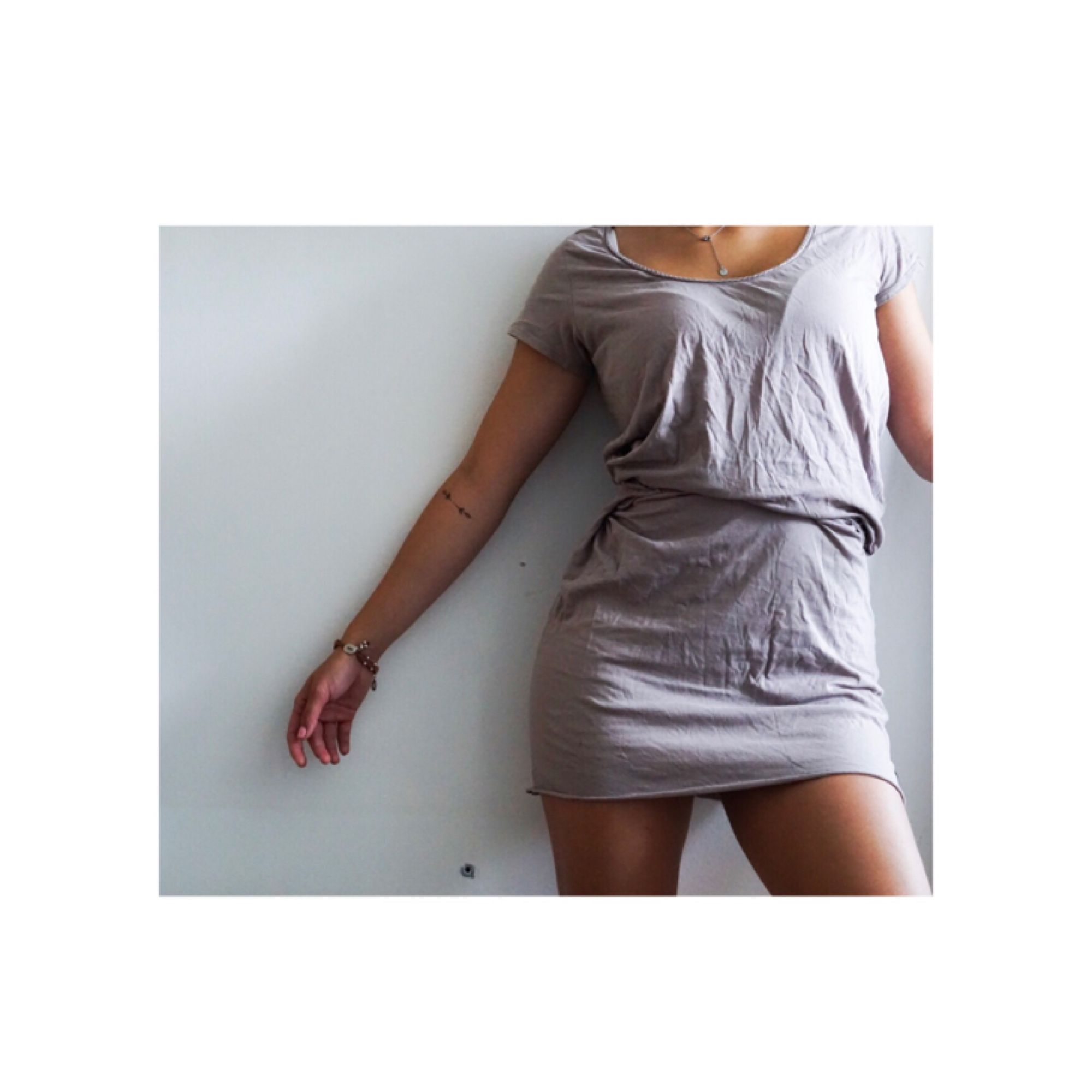 Somrig Maison Scotchklänning. Använd fåtal gånger (strl1). Klänningar.