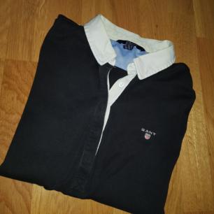 En fin gant tröja som är inte så använd  I storlek xs