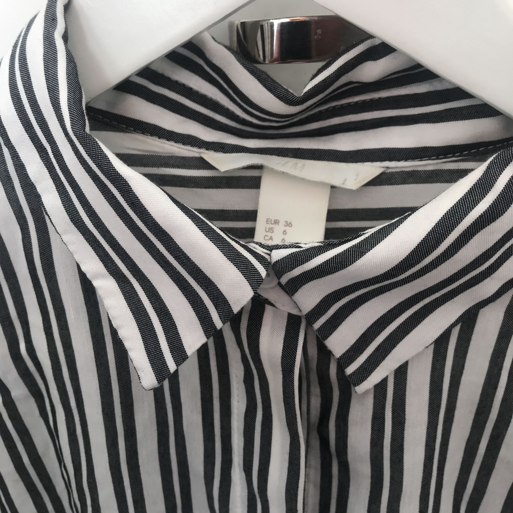 Randig skjorta fint skick. Frakt 39kr postnord. Skjortor.