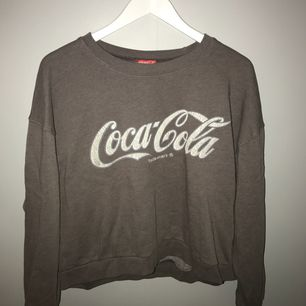coca cola tröja från bikbok! Köparen står för frakt
