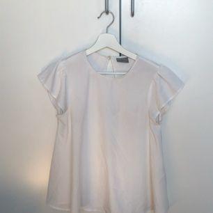 jättesöt blus från vero moda.