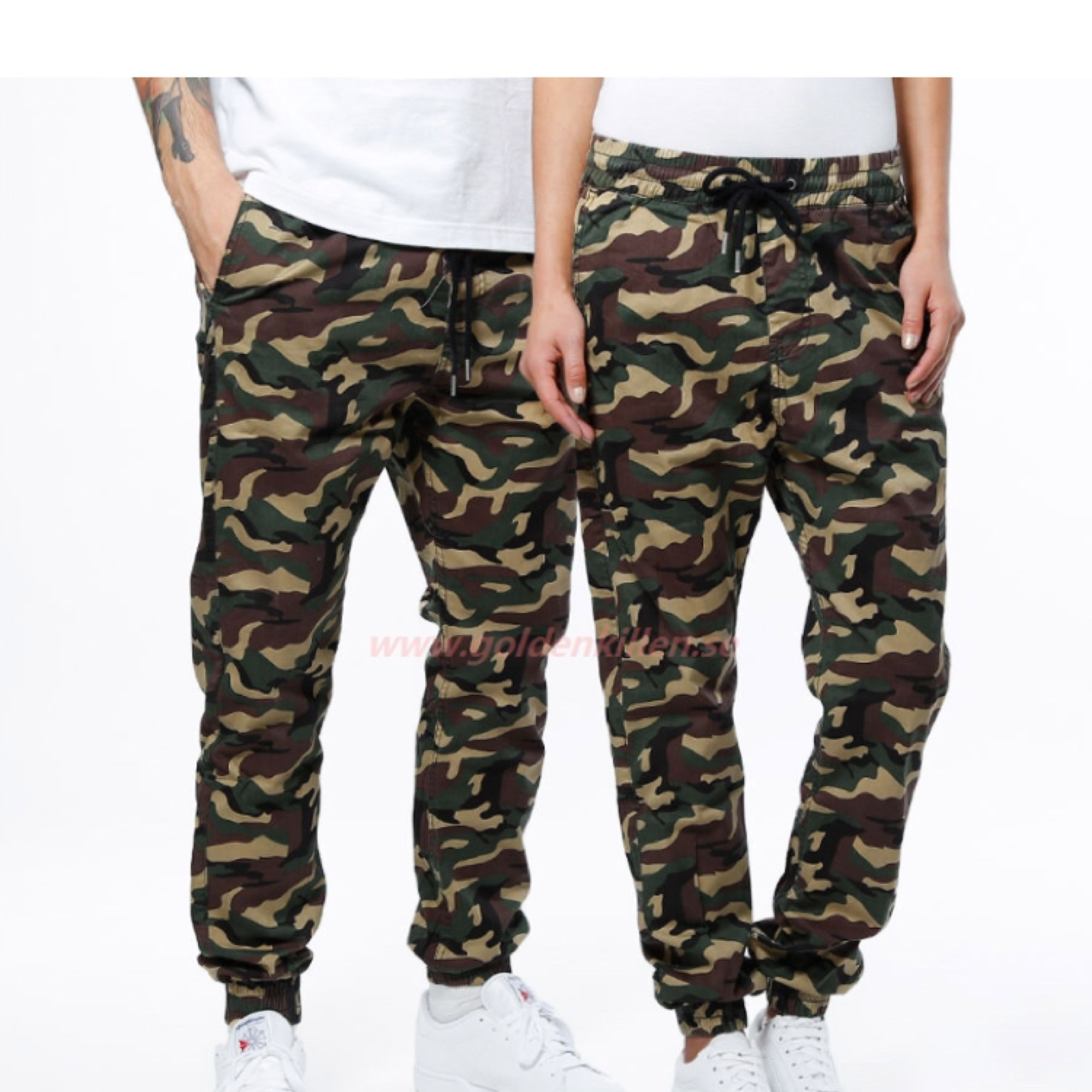 Skitcoola byxor från junkyjard!!! Storlek M och har användt mycket så färgen har gått ur lite lite!💓  180 och frakt ingår!💓 kan gå ner till 160 inkl frakt vid snabb affär!💓 . Jeans & Byxor.