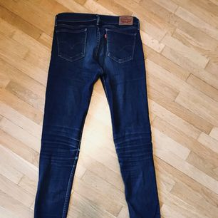 Lite nötta men ändå fina Levi's jeans. Frakt 30kr