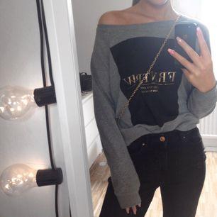 Sweatshirt från Ginatricot storlek S