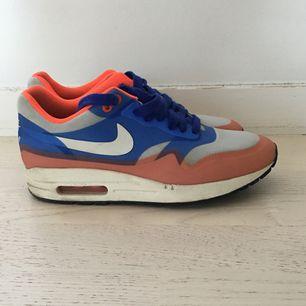 Nike skor stl 38 Hämtas i slussen eller skickas med posten