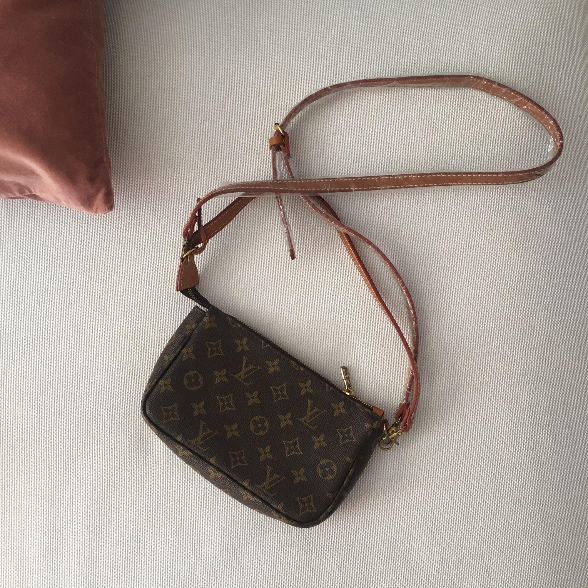 c7ed4c135bf74 Louis Vuitton inspirierte Tasche   Crossbody. Niemals mit Kunststoff um die  Gurte herum verwenden.