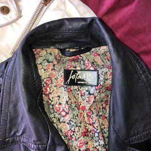 Snygg jacka från Jofama i äkta läder