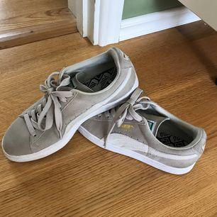 Skor från puma använda två gånger.  Puma suede. Köparen står för frakt, tar endast swish