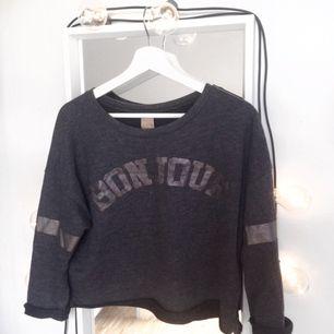 Kortare tröja från Zara med trekvart ärmar.