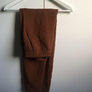 Slacks/kostymbyxor från hm. Nyskick.