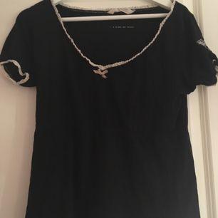 En Odd molly t-shirt i storlek 1=small som är i superfint skick. I priset ingår frakten.