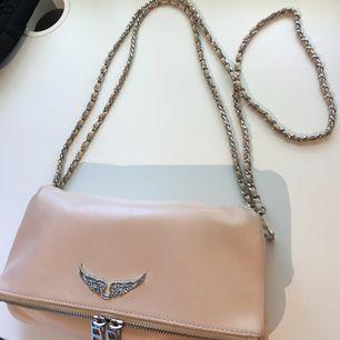 Sälja min äkta Zadig & Voltaire väska i toppen skick!  Färg: ljusrosa
