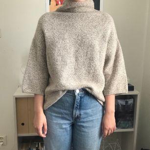 Beige, stickad polotröja från Zara, storlek S. pris + frakt, som köparen står för