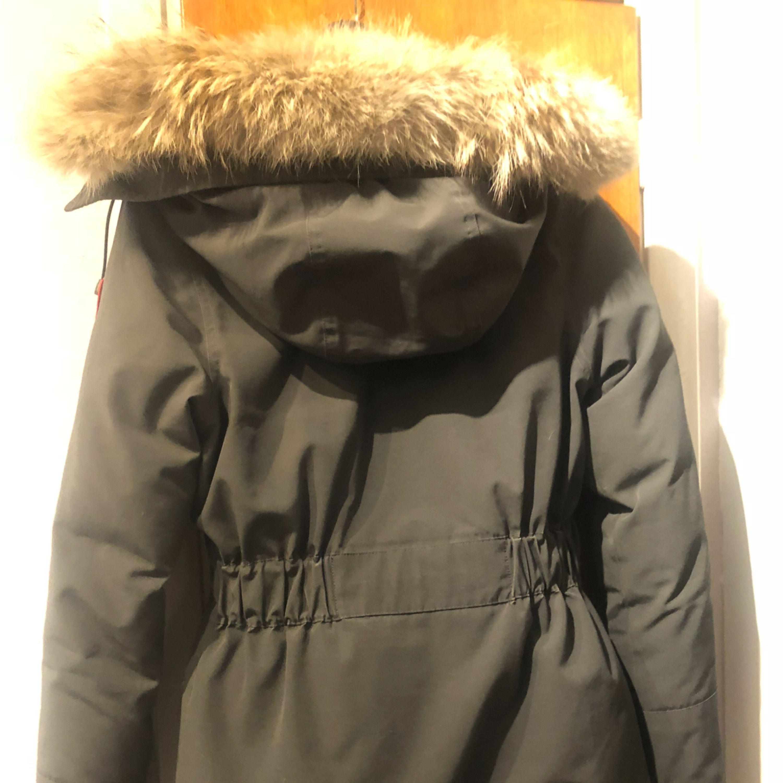 893723b0 Nu sælger jeg min elskede vinterjakke. Jakken er model trillium og har en rigtig  flot ...