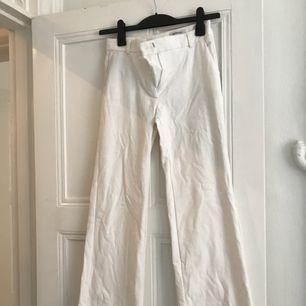 Kostymbyxor från Menckel