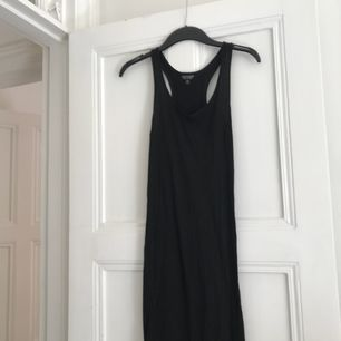 Svart långklänning