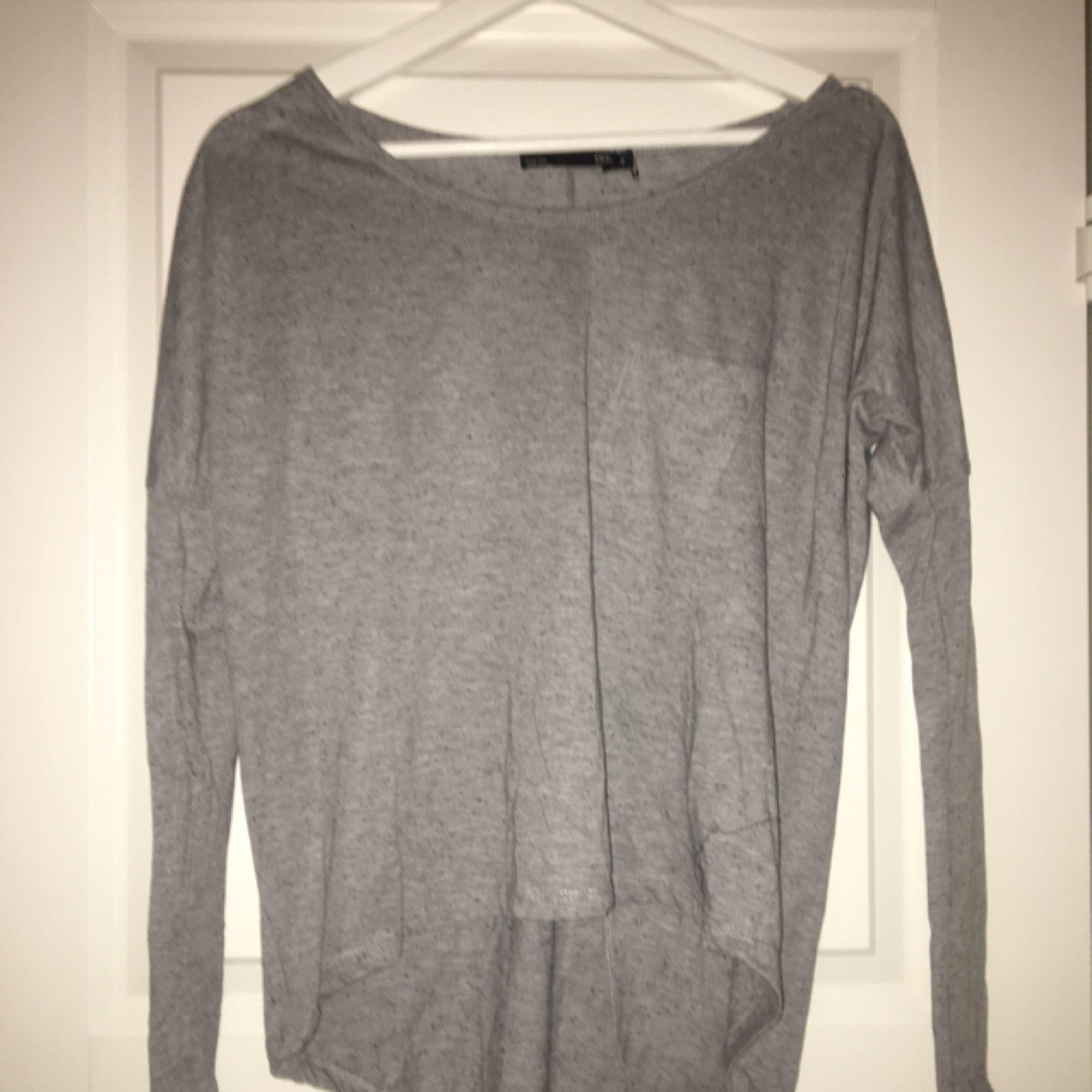 Fin enkel grå tröja. Tröjor & Koftor.